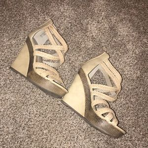 Cute tan wedges